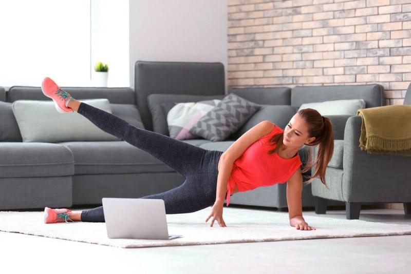 Esercizi fisici da fare a casa. 3 metodi efficaci