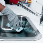Come pulire a fondo la casa, trucchi e consigli utili
