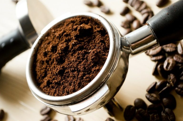 Come decalcificare la macchina del caffè con acido citrico