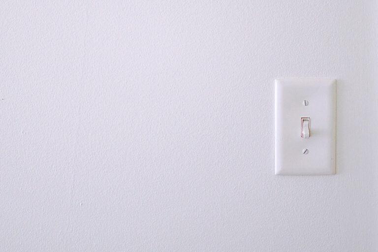 Casa smart: non rinunciare al decoro dei tuoi interruttori