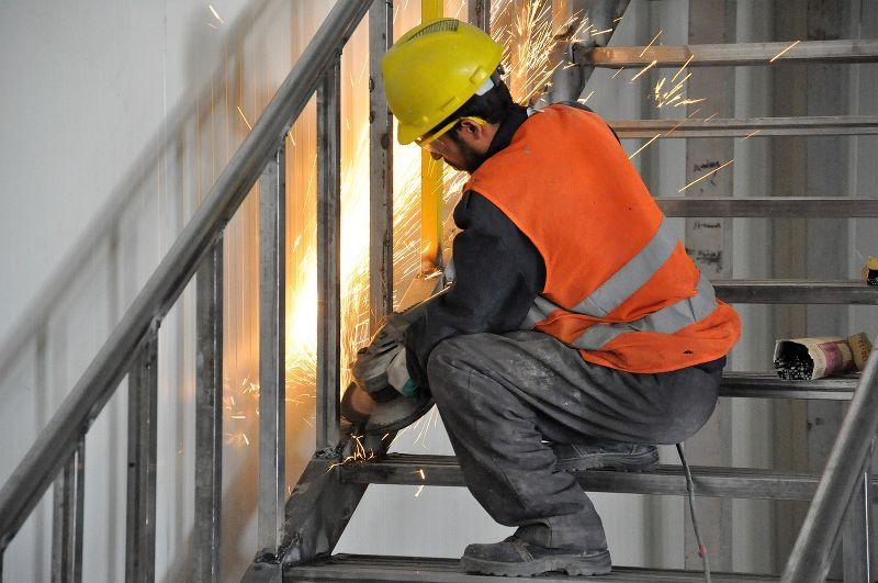 Indennità di turno dei metalmeccanici: in cosa consiste e cosa dice il CCNL